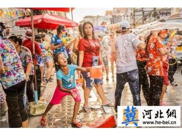 索尼全画幅微单A7M3 泰国泼水节轻松拍摄