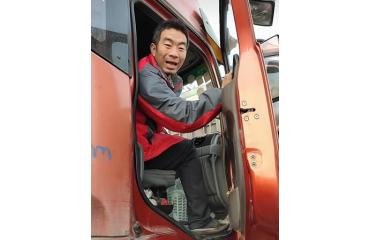 卡车司机的生活什么样?快手告诉你