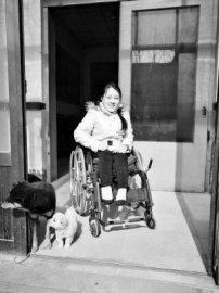 """栾城:站不起来的残疾女孩渴望""""飞起来"""""""