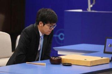 人机大战开战!柯洁执黑以复古战术迎战AlphaGo