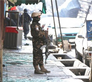 喀布尔炸弹袭击致95亡163伤