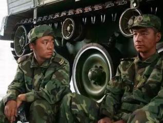 """绿色军营献青春!走进""""装甲先锋连"""" 致敬""""最可爱的人"""""""