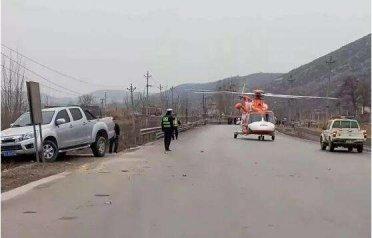 磁县:司机昏迷 民警呼叫直升机立体救援 20分钟送医