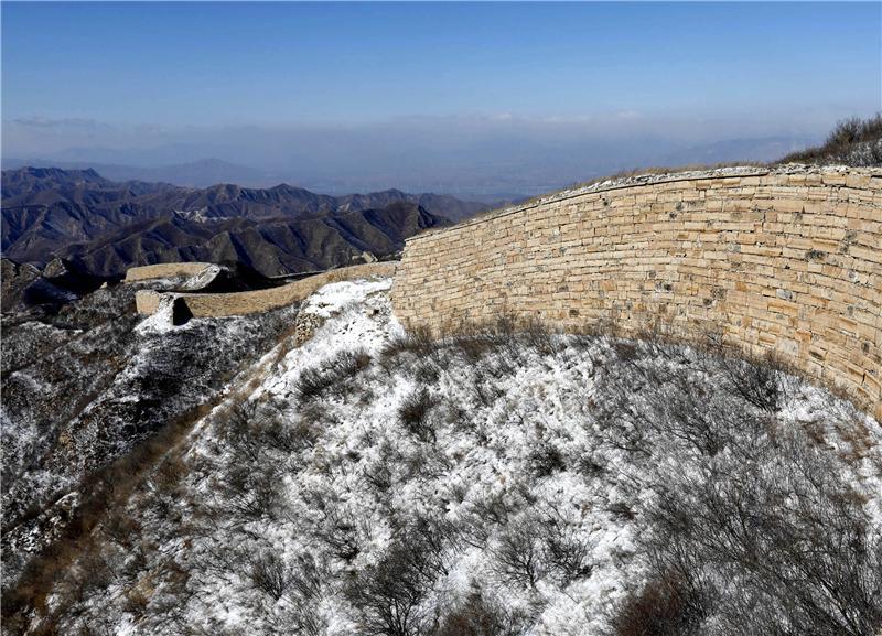 位于怀来县小南辛堡镇的样边长城雪后美景如画. 新华社发(武殿森 摄)图片