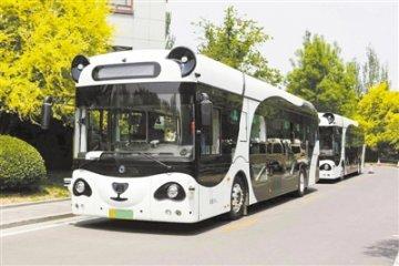 中国首条自动驾驶商用运营线路落地武汉